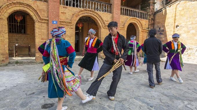 Nhiều hoạt động đặc sắc diễn ra tại Lễ hội khèn Mông trên Cao nguyên đá Đồng Văn - ảnh 1