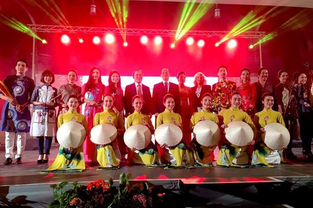 Giữ bản sắc văn hóa Việt tại Cộng hòa Áo - ảnh 1