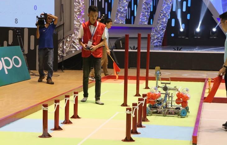 Khai mạc vòng chung kết cuộc thi sáng tạo robot Việt Nam năm 2019 - ảnh 1
