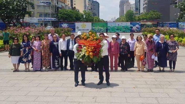Doanh nhân, trí thức kiều bào thành phố Hồ Chí Minh tưởng nhớ Hồ Chủ tịch - ảnh 4