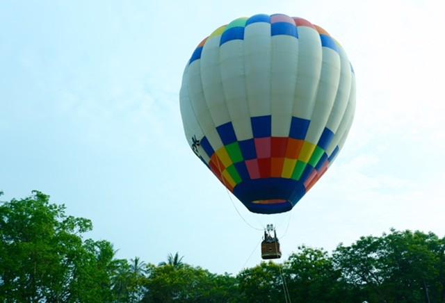 Lướt trên không trung cùng khinh khí cầu - ảnh 11
