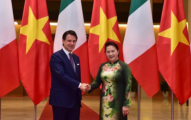 Chủ tịch Quốc hội Nguyễn Thị Kim Ngân hội kiến Thủ tướng Italy - ảnh 1