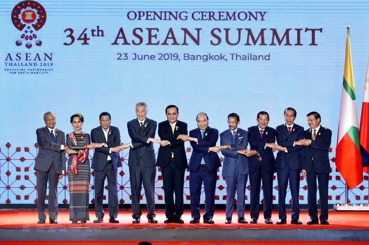 Thủ tướng Nguyễn Xuân Phúc kết thúc tốt đẹp chuyến tham dự Hội nghị cấp cao ASEAN lần thứ 34 - ảnh 1
