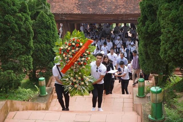 Thanh niên kiều bào tham quan, tìm hiểu về Khu di tích ATK Định Hóa, Thái Nguyên - ảnh 2