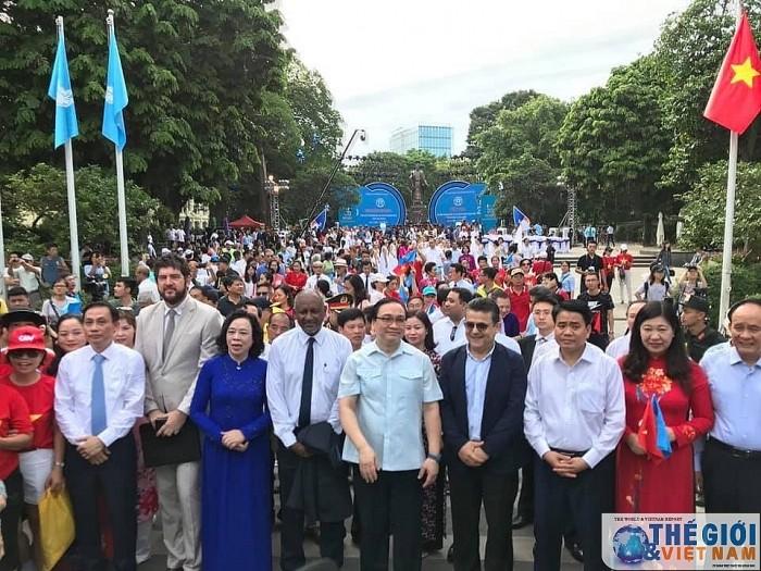 Hà Nội kỷ niệm 20 năm Thành phố vì hòa bình - ảnh 1