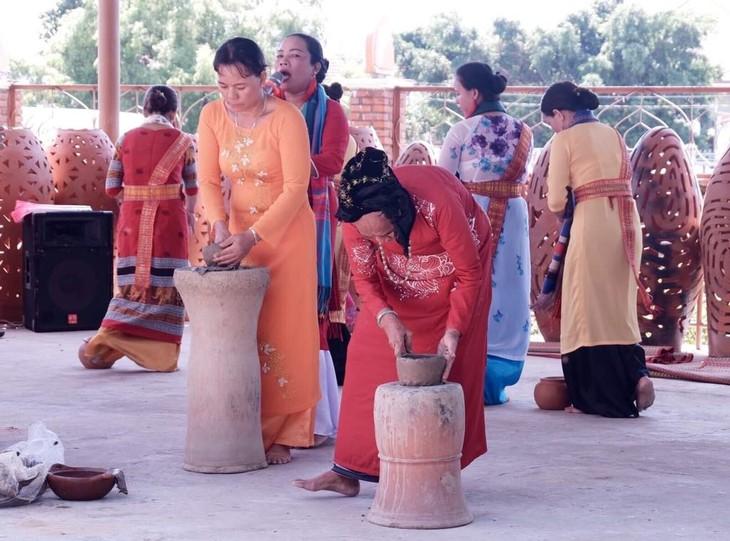 Khám phá các giá trị văn hóa của vùng đất nắng gió Ninh Thuận - ảnh 13
