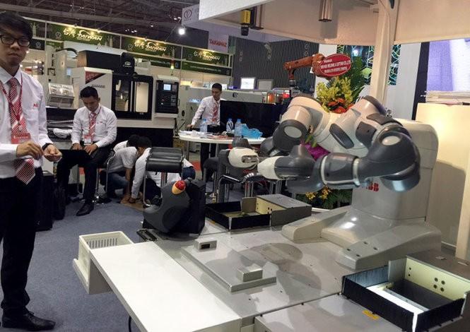 В г.Хошимине открылись выставки, посвящённые вспомогательной промышленности - ảnh 1