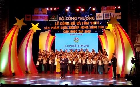 Вьетнам прославляет 100 лучших видов продукции сельской промышленности - ảnh 1