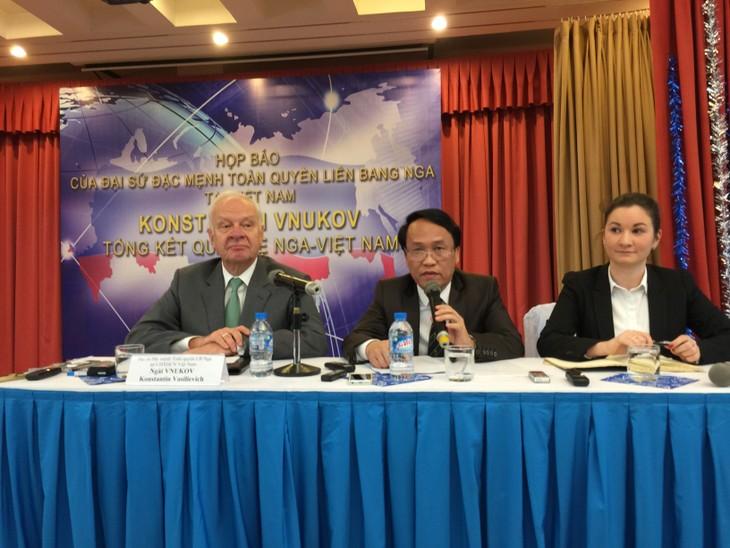 В Ханое подведены итоги российско-вьетнамских отношений за 2015 год - ảnh 1