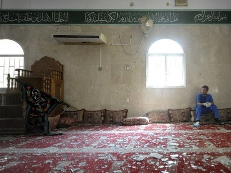 Большие жертвы в результате нападения на мечеть в Саудовской Аравии - ảnh 1