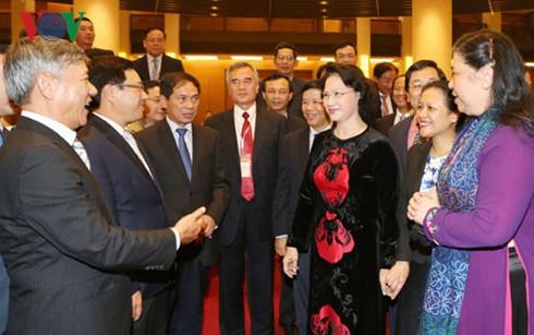 Главы диппредставительств за рубежом должны содействовать укреплению взаимоотношений между странами  - ảnh 1