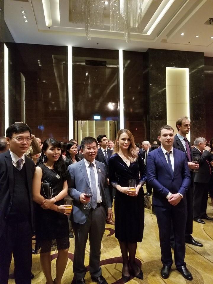 Посольство РФ в СРВ организовало торжественный приём - ảnh 6