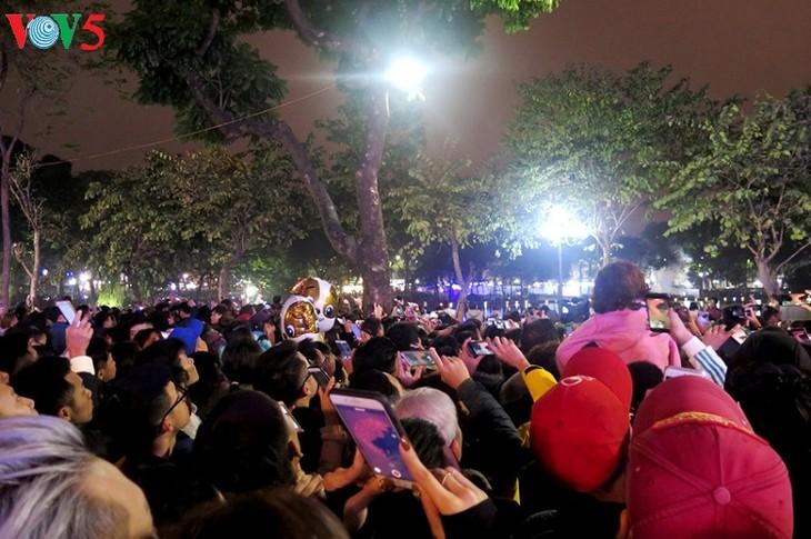 Жители всей страны встречают Новый год по лунному календарю - ảnh 1
