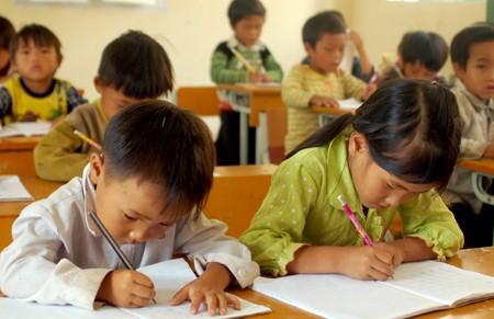 Стимулирование интереса к учёбе – вьетнамская весенняя традиция - ảnh 1