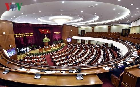 В Ханое прошел первый день работы 7-го пленума ЦК КПВ 12-го созыва - ảnh 1