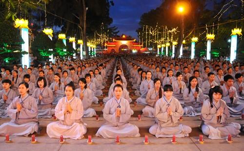 Вьетнамская буддийская сангха вносит существенный вклад в развитие страны - ảnh 1