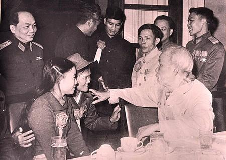 Празднование 70-летия со дня призыва Хо Ши Мина к патриотическим соревнованиям - ảnh 1