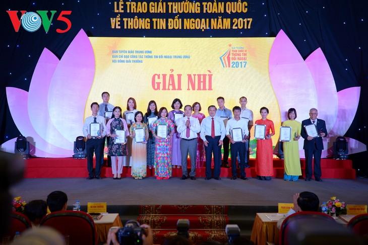 Церемония вручения Национальной премии внешнего информирования 2017 года - ảnh 1
