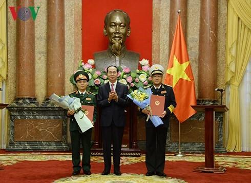 Президент Вьетнама вручил Указ о присвоении очередных воинских званий - ảnh 1