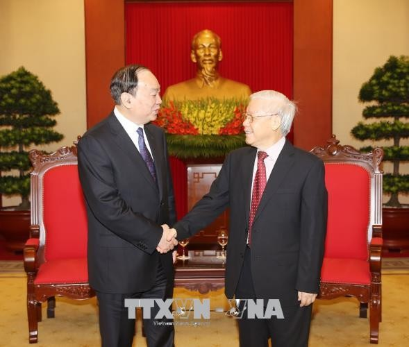 Генсек ЦК Компартии Вьетнама принял делегацию Компартии Китая - ảnh 1
