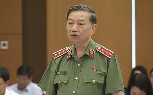 На вопросы Постоянного комитета Нацсобрания СРВ ответил министр общественной безопасности - ảnh 1