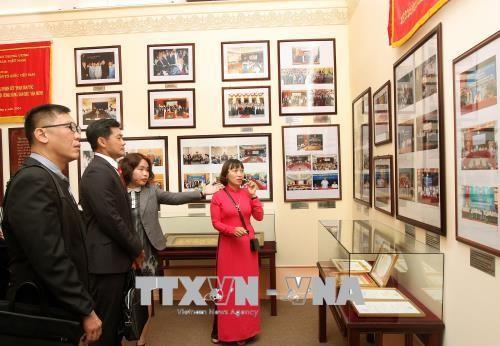 Вьетнам и Сингапур развивают двусторонние отношения - ảnh 1