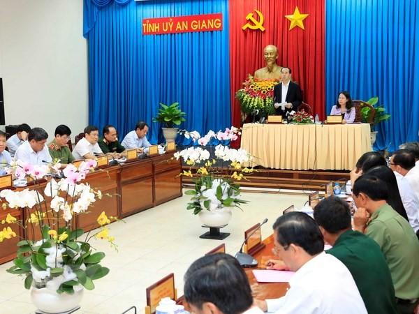 Президент Вьетнама: Необходимо ускорить темпы развития провинции Анзянг - ảnh 1