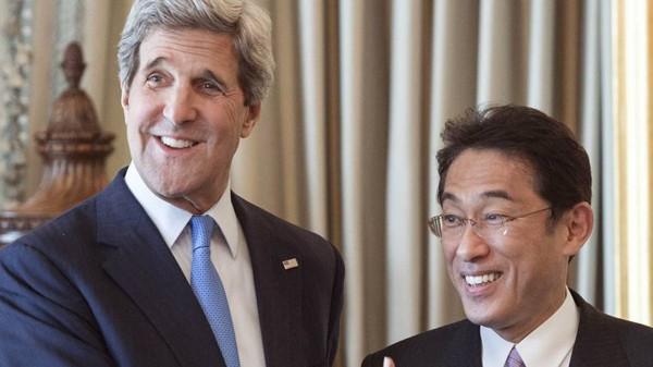 สหรัฐและญี่ปุ่นให้คำมั่นที่จะผลักดันความสัมพันธ์พันธมิตร - ảnh 1