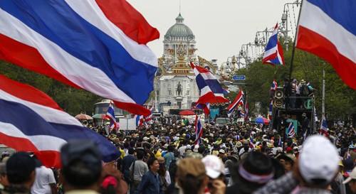 ตำรวจไทยจับกุมตัวแกนนำและผู้ชุมนุมประมาณ๑๐๐คน - ảnh 1