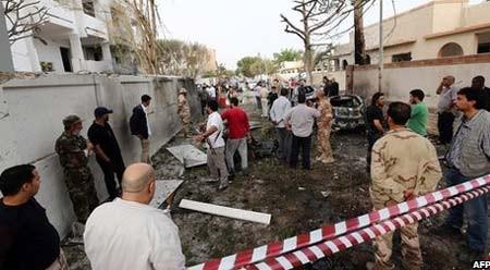 เกิดเหตุลอบวางระเบิดในคูหาเลือกตั้ง๕แห่งในประเทศลิเบีย - ảnh 1