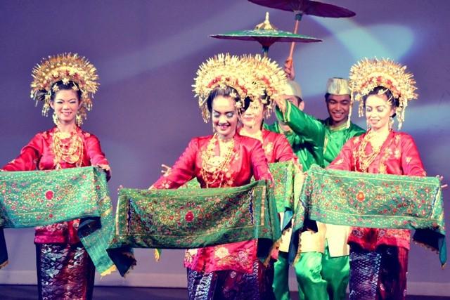 ชุดฟ้อนรำต่างๆของประเทศอาเซียน - ảnh 6
