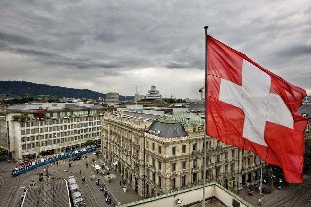 สวิสเซอร์แลนด์ยกเลิกการอายัดทรัพย์สินของอิหร่าน - ảnh 1