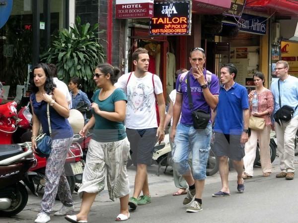 ยอดนักท่องเที่ยวต่างชาติในเดือนมกราคมเพิ่มขึ้น - ảnh 1