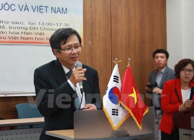 เวียดนามยืนหยัดแนวทางเปลี่ยนแปลงใหม่ด้านเศรษฐกิจ - ảnh 1