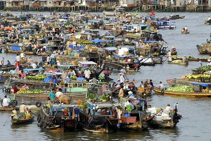 วัฒนธรรมตลาดน้ำก๊ายรังได้รับการรับรองเป็นมรดกวัฒนธรรมนามธรรมแห่งชาติ - ảnh 1