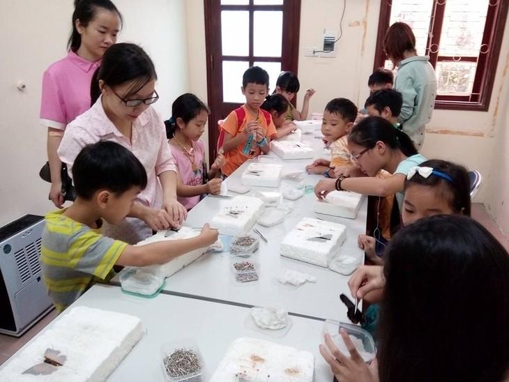 กิจกรรมค้นคว้าธรรมชาติในพิพิธภัณฑ์ธรรมชาติวิทยาเวียดนาม  - ảnh 2