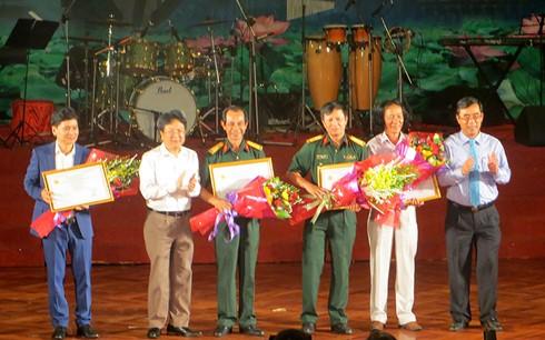 พิธีปิดงานมหกรรมศิลปะเวียดนาม ลาว กัมพูชา เมียนมาร์และไทย - ảnh 1