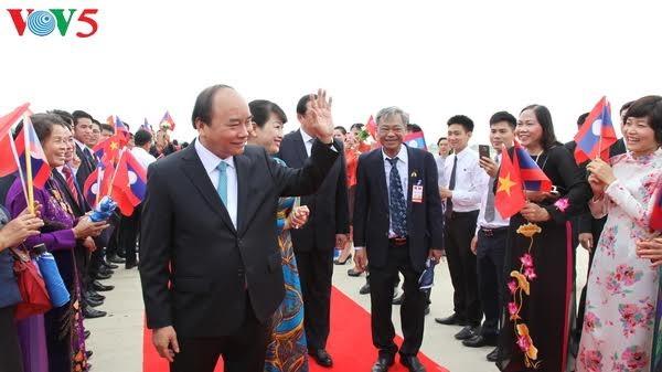 นายกรัฐมนตรีเวียดนามเริ่มการเยือนประเทศลาวอย่างเป็นทางการ - ảnh 1