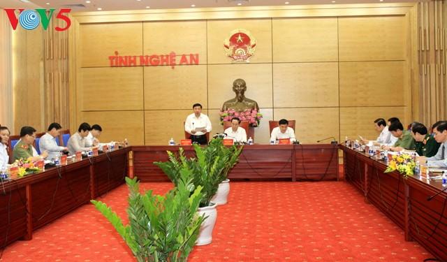 ประธานประเทศเวียดนามประชุมกับผู้บริหารจังหวัดเหงะอาน - ảnh 1