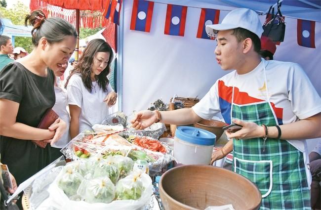 กิจกรรมแลกเปลี่ยนวัฒนธรรมอาหารพื้นเมืองฮานอยกับมิตรประเทศ-สถานที่ที่น่าสนใจสำหรับนักท่องเที่ยว - ảnh 1