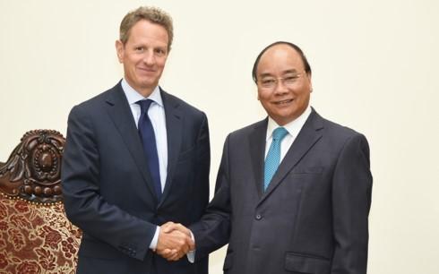 นายกรัฐมนตรีให้การต้อนรับประธานเครือบริษัทWarburg Pincusของสหรัฐและผู้อำนวยการของWBในเวียดนาม - ảnh 1