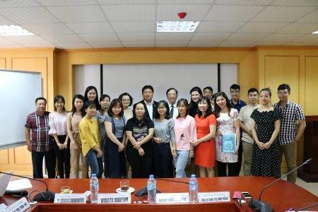 สมาคมนักข่าวเวียดนามและสมาคมนักข่าวนักหนังสือพิมพ์แห่งประเทศไทยขยายความร่วมมือในด้านการฝึกอบรมภาษา - ảnh 1