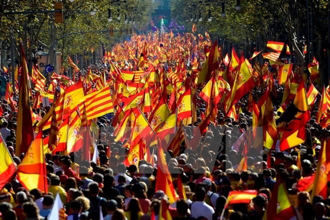 ประชาชนแคว้นกาตาลูญญาร้อยละ70คัดค้านการแยกตัวออกจากเสปน - ảnh 1