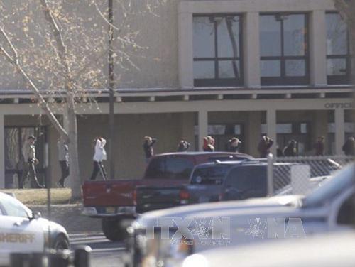 มีผู้เสียชีวิต3คนจากเหตุกราดยิงในโรงเรียนที่สหรัฐ  - ảnh 1