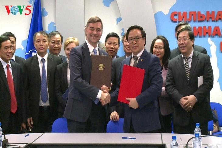 เวียดนามให้ความสำคัญต่อความสัมพันธ์หุ้นส่วนยุทธศาสตร์ในทุกด้านกับรัสเซีย - ảnh 1