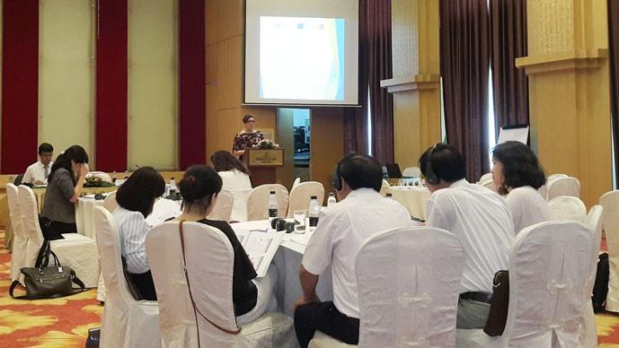 ปฏิบัติสิทธิและโอกาสของแรงงานหญิงอพยพในอาเซียน - ảnh 1
