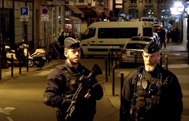 กลุ่มไอเอสออกมาแสดงความรับผิดชอบต่อเหตุโจมตีในกรุงปารีส - ảnh 1