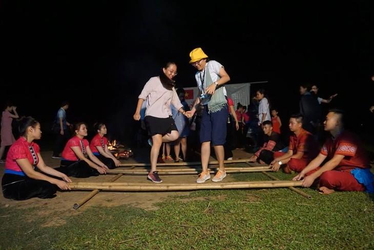 กิจกรรมต่างๆในกรอบโครงการแลกเปลี่ยนเยาวชนไทย-เวียดนามครั้งที่ 10 - ảnh 3