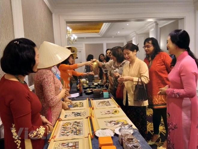แนะนำเอกลักษณ์วัฒนธรรมเวียดนามให้แก่เพื่อนมิตรอาเซียนในมาเลเซีย - ảnh 1