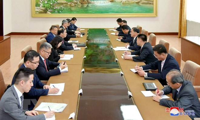 ส่งเสริมความร่วมมือด้านการเมืองระหว่างจีนกับสาธารณรัฐประชาธิปไตยประชาชนเกาหลี - ảnh 1